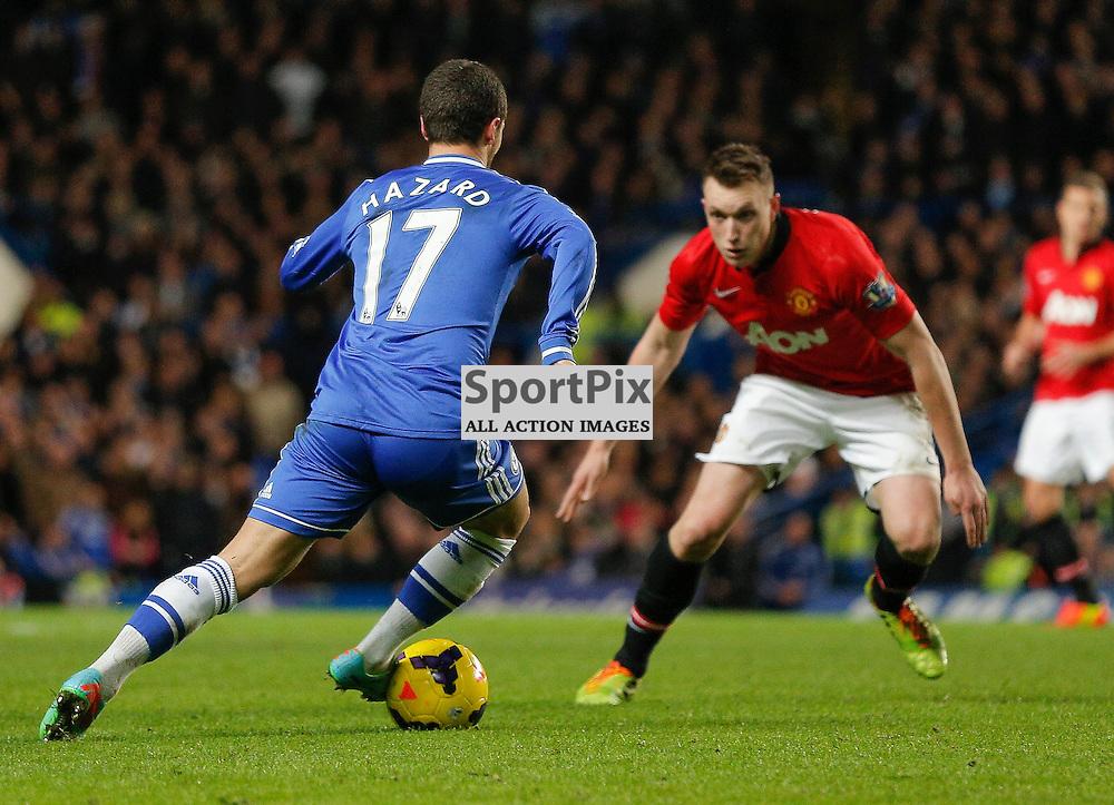 Chelsea MF 17 Eden Hazard takes on Manchester United DF 4 Phil Jones | Andy Walter (c) Sportpix.org