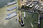 Nederland, Zuid-Holland, Rotterdam, 10-06-2015; Geulhaven met verkeerspost en radarpost. Havendienst en Loodsdienst. Ligplaatsen voor de binnenvaart.<br /> Port authority and  radar station,<br /> berths for inland shipping. <br /> <br /> luchtfoto (toeslag op standard tarieven);<br /> aerial photo (additional fee required);<br /> copyright foto/photo Siebe Swart