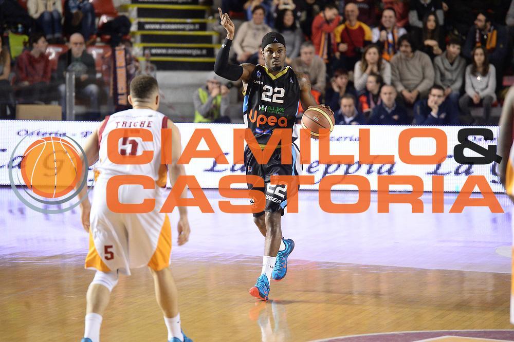 DESCRIZIONE : Roma Lega A 2014-15 Acea Virtus Roma Orlandina Basket<br /> GIOCATORE : sek hanry<br /> CATEGORIA : palleggio mani<br /> SQUADRA : Acea Virtus Roma Orlandina Basket<br /> EVENTO : Campionato Lega Serie A 2014-2015<br /> GARA : Acea Virtus Roma Orlandina Basket<br /> DATA : 08.02.2015<br /> SPORT : Pallacanestro <br /> AUTORE : Agenzia Ciamillo-Castoria/M.Greco<br /> Galleria : Lega Basket A 2014-2015 <br /> Fotonotizia : Roma Lega A 2014-15 Acea Virtus Roma Orlandina Basket