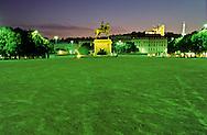 France. Lyon . - Bellecour -  place, statue of Louis XIV       Sur la place Bellecour le roi soleil est vêtu comme un empereur romain. Au centre de la place Bellecour se dresse depuis 1828 la statue equestre de Louis XIV.      R00063 29    L930922b     P0000224