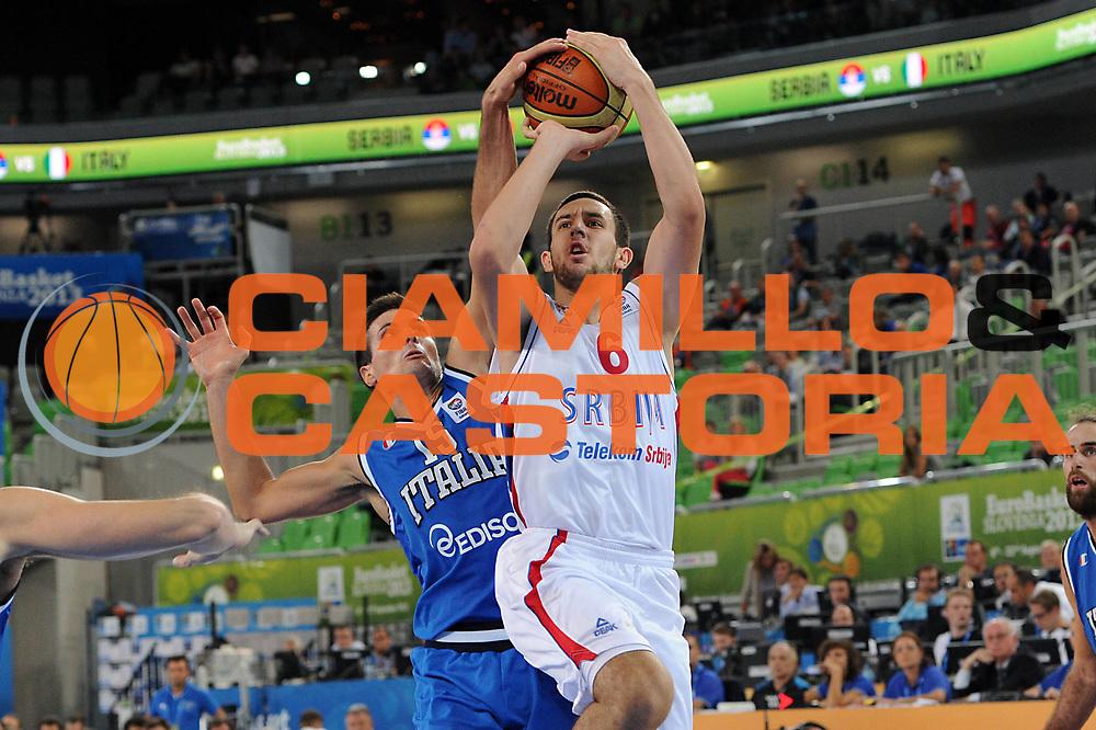 DESCRIZIONE : Lubiana Ljubliana Slovenia Eurobasket Men 2013 Finale Settimo Ottavo Posto Serbia Italia Final for 7th to 8th place Serbia Italy<br /> GIOCATORE : Vasilje Micic <br /> CATEGORIA : tiro shot<br /> SQUADRA : Serbia Serbia<br /> EVENTO : Eurobasket Men 2013<br /> GARA : Serbia Italia Serbia Italy<br /> DATA : 21/09/2013 <br /> SPORT : Pallacanestro <br /> AUTORE : Agenzia Ciamillo-Castoria/C.De Massis<br /> Galleria : Eurobasket Men 2013<br /> Fotonotizia : Lubiana Ljubliana Slovenia Eurobasket Men 2013 Finale Settimo Ottavo Posto Serbia Italia Final for 7th to 8th place Serbia Italy<br /> Predefinita :