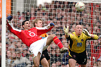 Photo. Daniel Hambury, Digitalsport<br /> Arsenal v Sheffield United. <br /> FA Cup Fifth Round.<br /> 19/2/2005.<br /> Arsenal's Jose Antonio Reyes and Sheffield United's Derek Geary and 'keeper Paddy Kenny battle for the ball.