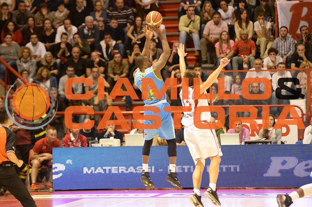 DESCRIZIONE : Pistoia campionato serie A 2013/14 Giorgio Tesi Group Pistoia Vanoli Cremona <br /> GIOCATORE : Jason Rich<br /> CATEGORIA : Vanoli Cremona<br /> SQUADRA : Vanoli Cremona<br /> EVENTO : Campionato serie A 2013/14<br /> GARA : Giorgio Tesi Group Pistoia Vanoli Cremona <br /> DATA : 10/11/2013<br /> SPORT : Pallacanestro <br /> AUTORE : Agenzia Ciamillo-Castoria/GiulioCiamillo<br /> Galleria : Lega Basket A 2013-2014  <br /> Fotonotizia : Pistoia campionato serie A 2013/14 Giorgio Tesi Group Pistoia Vanoli Cremona<br /> Predefinita :
