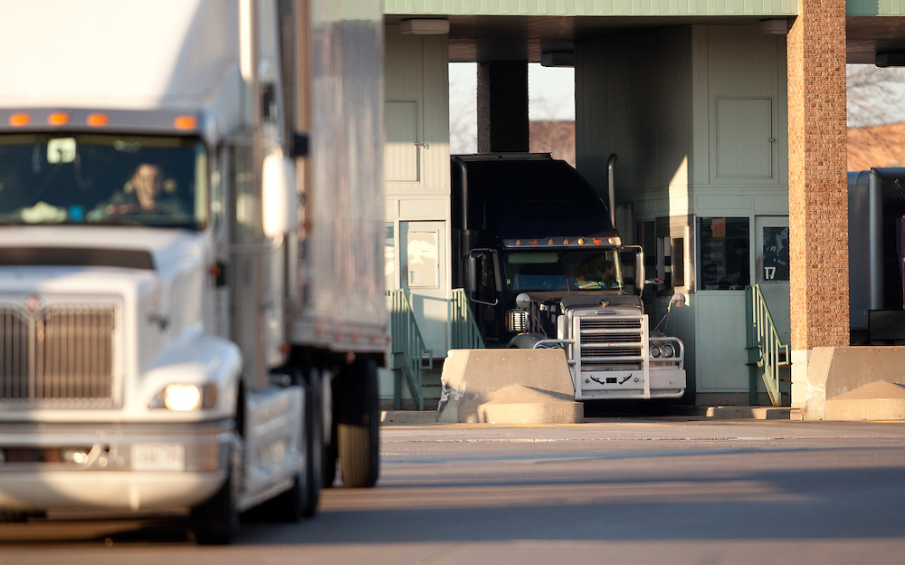 Windsor, Ontario ---11-12-07--- A trucks stops at Customs in Windsor, Ontario after crossing the Ambassador Bridge from Detroit, December 7, 2011.<br /> GEOFF ROBINS The Globe and Mail