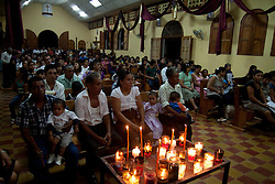 La messa e' molto partcipata.<br /> The day of death the church is full.