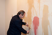 SIMON DE PURY, 'Engagement' exhibition of work by Jennifer Rubell. Stephen Friedman Gallery. London. 7 February 2011. -DO NOT ARCHIVE-© Copyright Photograph by Dafydd Jones. 248 Clapham Rd. London SW9 0PZ. Tel 0207 820 0771. www.dafjones.com.