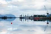 Early morning mood at Ulstein Yard, Ulsteinvik, Norway    Tidlig morgenstemning på Ulstein Verft med Island Performer og Island Wellserver ved kai.