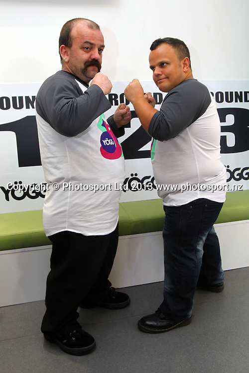 Hydr8 Zero Explosion announcement for the dwarf undercard boxing bout between Colin Lane (L) and Matthew Wood sponsored by Yogg. Featuring on the card before the main event, Parker v Botha on June 13. Yogg store, Mission Bay, Auckland. 29 May 2013. Photo: William Booth/photosport.co.nz