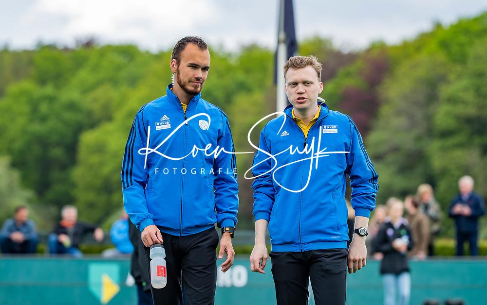 BLOEMENDAAL -   scheidsrechters Nino Anzini (r) en Stefan Her .  , Libera hoofdklasse hockey Bloemendaal-Pinoke (0-0). COPYRIGHT KOEN SUYK