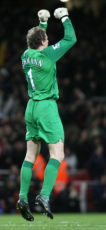 London, England - Sunday, January 21, 2007: Arsenal's goalkeeper Jens Lehmann against Manchester United during the Premier League match at the Emirates Stadium. (Pic by Chris Ratcliffe/Propaganda)