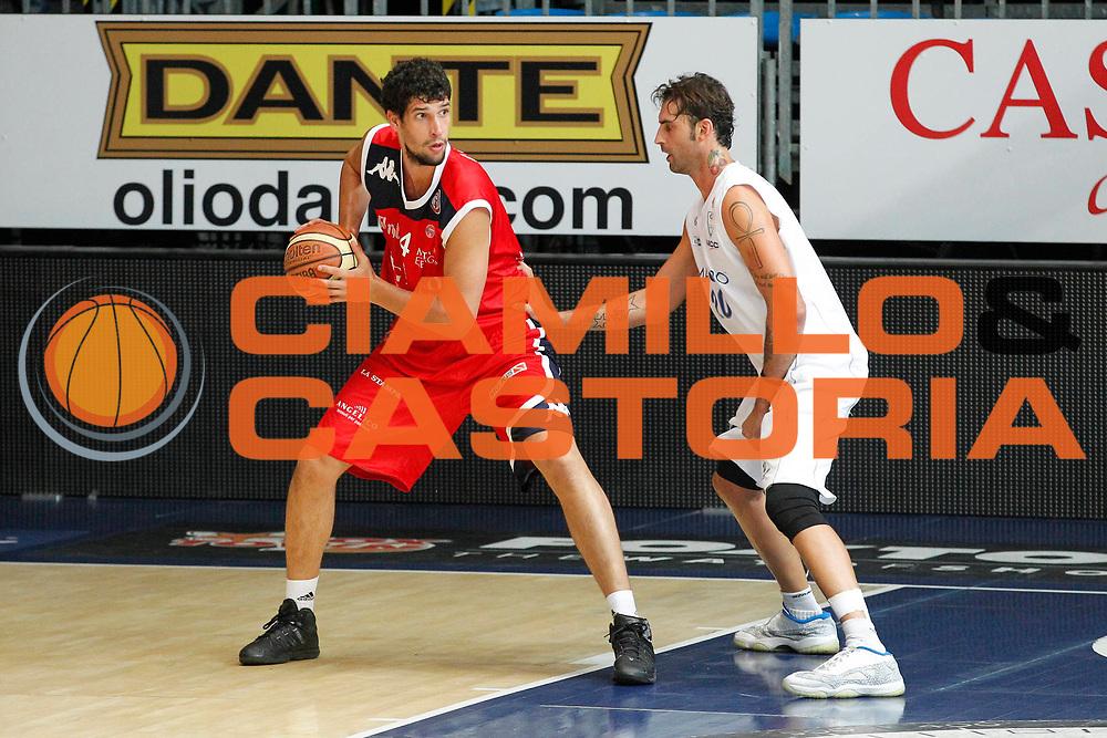 DESCRIZIONE : Cantu Lega A 2012-13 Amichevole Pallacanestro Cantu-Angelico Biella<br /> GIOCATORE : Gino Cuccarolo<br /> CATEGORIA : Palleggio<br /> SQUADRA : Angelico Biella<br /> EVENTO : Campionato Lega A 2012-2013<br /> GARA : Pallacanestro Cantu-Angelico Biellao<br /> DATA : 25/08/2012<br /> SPORT : Pallacanestro <br /> AUTORE : Agenzia Ciamillo-Castoria/G.Cottini<br /> Galleria : Lega Basket A 2012-2013  <br /> Fotonotizia : Cantu Lega A 2012-13 Amichevole Pallacanestro Cantu-Angelico Biella<br /> Predefinita :