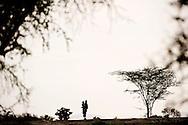 IDP camp i no man´s land, hvor der er mæslinger i udbrud og en meget høj rate af underernærning. 26 børn er akut underernærede (SAM) og 100 børn er underernærede (MAM), hvilket er omkring 50 % af alle børn. De er flygtet efter kamp med Pokot stammen om deres kvæg og geder. De mistede alt og flere døde i angrebet. Røde Kors hjælper flygtningene med sundhedsundersøgelse  og i de værste tilfælde drop direkte i blodårene. De uddeler også myggenet som skal beskytte dem mod malaria som er stigende i området, antibiotika til børnene der har mæslinger. Tæpper til de kolde nætter da hoste er udbredt i lejren. Og majs og mel, så de kan få nogle måltider mad, hvilket er et problem for disse flygtninge at skaffe.