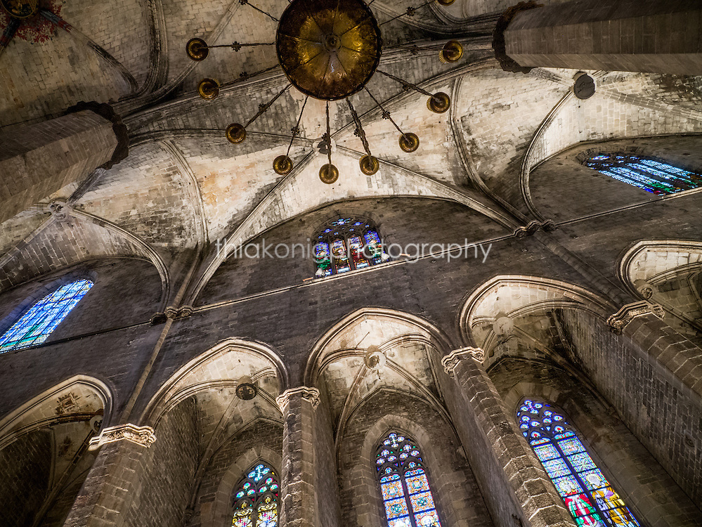 Looking up at the gothic ceilings of the Cathedral del Mar, Barcelona, Spain. Built between 1329 and 1383 and is an outstanding example of Catalan gothic architecture.