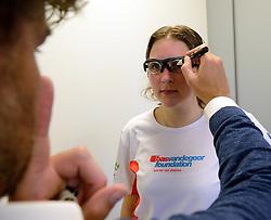 27-06-2014 NED: Uitzwaaimoment Iceland Diabetes Challenge, Nijkerk<br /> In gezondheidscentrum De Nije Veste in Nijkerk werden de Iceland deelnemers en de deelnemers van de Nije Veste challenge uitgezwaaid door gouden olympiër Mark Huizinga, de winnaar van de poolcirkel expeditie 2014 / Bril passen voor Debby