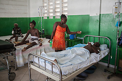 October 9, 2016 - Les Cayes, Haiti - Injured from the hurricane, victims from various villages around come to Les Cayes general Hospital, Haiti, on October 9, 2016.The number of people killed in Haiti by Hurricane Matthew hit 1,000 people on Sunday, as the country battled deaths from cholera and some authorities had to start burying the dead in mass graves. (Credit Image: © Bahare Khodabande/NurPhoto via ZUMA Press)