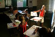 Lencois_BA, Brasil...Alunos da Escola Comunitaria Afranio Afonso Pereira, no municipio de Lencois, fazem os preparativos para a festa de Sao Joao...Students of the Community School Afranio Afonso Pereira, in Lencois, preparing for the June Festival...Foto: LEO DRUMOND / NITRO
