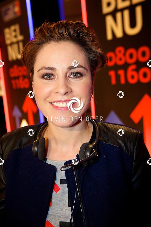 LELYSTAD - In theater Schouwburg Agora hield de publieke omroep een tv actie om nieuwe donateurs te krijgen voor de Kanker Stichting KWF. Deze actie is genaamd 'Sta op tegen Kanker'. Diversen bekende nederlanders deden hun woordje tijdens deze actie. Met hier op de foto  Mirella van Markus. FOTO LEVIN DEN BOER - PERSFOTO.NU