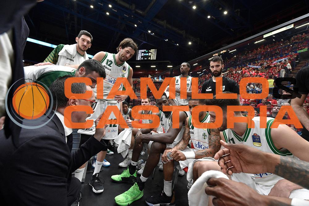 maffezzoli ,  time out<br /> Legabasket Campionato Italiano  <br /> Serie A 2018/19<br /> Play off<br /> Quarti di Finale - Gara 5 <br /> A X Armani Exchange Milano -Sidigas Avellino 92-76 <br /> Milano Mediolanum Forum<br /> 26/05/2019 Ore 20:30<br /> Foto GiulioCiamillo/Ciamillo