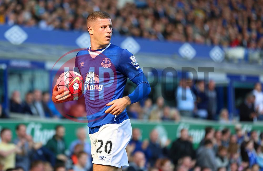 Everton's Ross Barkley  - Mandatory byline: Matt McNulty/JMP - 07966 386802 - 04/10/2015 - FOOTBALL - Goodison Park - Liverpool, England - Everton  v Liverpool - Barclays Premier League