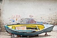 Una barca al porto di Brindisi. 29/05/2010 PH Gabriele Spedicato