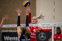 21-04-2019 NED: VC Sneek - Sliedrecht Sport, Sneek<br /> Final Round 2 of 5 Eredivisie volleyball - Sliedrecht Sport win 3-0 / Hester Jasper #4 of VC Sneek