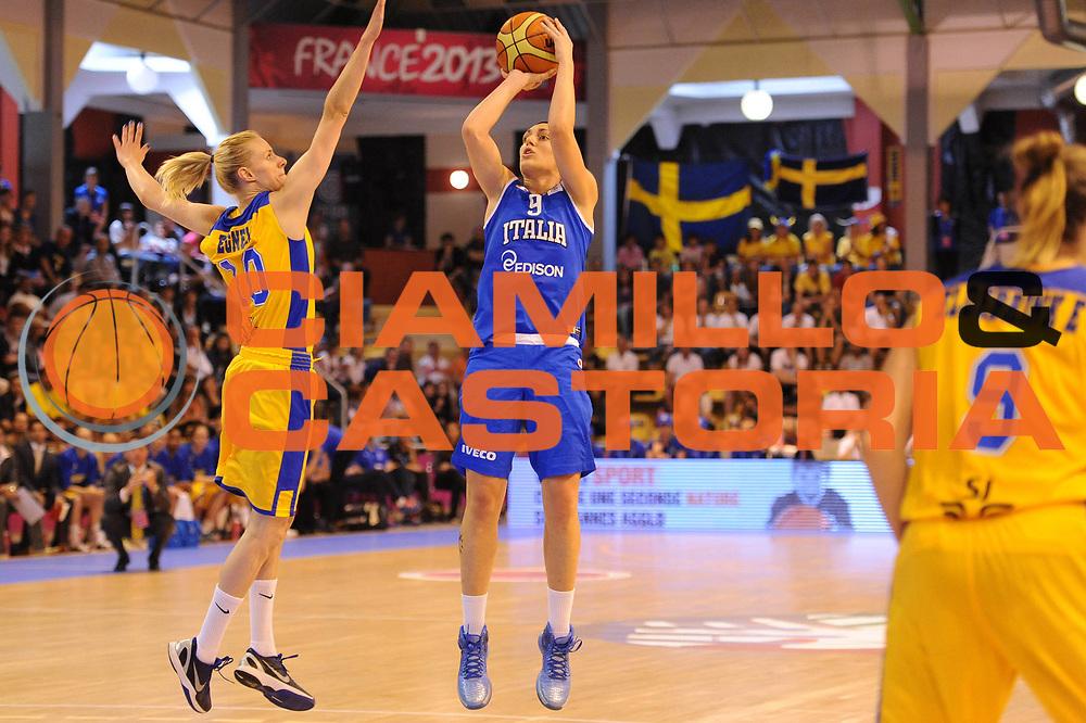 DESCRIZIONE : Vannes 15 giugno 2013 Eurobasket 2013 femminile<br /> Italia Nazionale Femminile Svezia<br /> GIOCATORE : Ilaria Zanoni<br /> CATEGORIA : tiro<br /> SQUADRA : Italia Nazionale Femminile <br /> EVENTO : Eurobasket 2013<br /> Italia Nazionale Femminile Svezia<br /> GARA : Italia Nazionale Femminile Svezia<br /> DATA : 15/06/2013<br /> SPORT : Pallacanestro <br /> AUTORE : Agenzia Ciamillo-Castoria/M.Marchi<br /> Galleria : Eurobasket 2013<br /> Fotonotizia : Vannes 15 giugno 2013 Eurobasket 2013 femminile<br /> Italia Nazionale Femminile Svezia<br /> Predefinita :