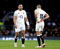 Ben Te'o of England speaks with Mike Brown of England - Mandatory by-line: Robbie Stephenson/JMP - 03/12/2016 - RUGBY - Twickenham - London, England - England v Australia - Old Mutual Wealth Series