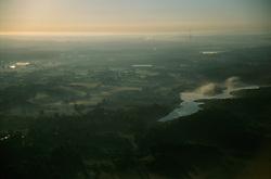 GERMANY SCHLESWIG-HOLSTEIN KIEL 9JUN02 - The city of Kiel in the morning mist after sunrise as seen from the hot-air balloon...jre/Photo by Jiri Rezac..© Jiri Rezac 2002..Contact: +44 (0) 7050 110 417..Mobile:  +44 (0) 7801 337 683.Office:  +44 (0) 20 8968 9635..Email:   jiri@jirirezac.com.Web:     www.jirirezac.com