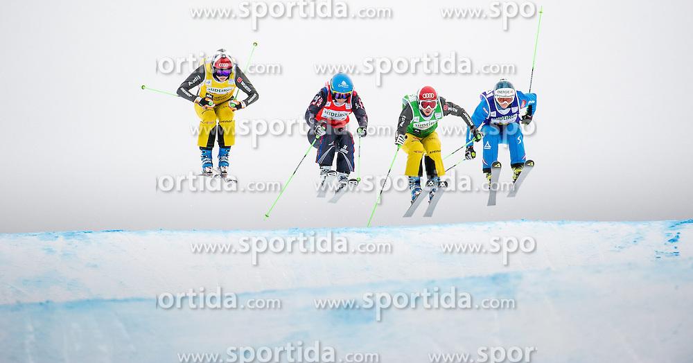 22.12.2013, Haunold Innichen, Wien, ITA, FIS Ski Cross Weltcup, Achtelfinale der Damen, im Bild Heidi Zacher (GER, green), Christina Staudinger (AUT, blue), Marielle Berger Sabbatel (FRA, red), Julia Eichinger (GER, yellow) // during eight finals of ladies of FIS Ski Cross World Cup at Haunoldi, San Candido, 2013-12-22, EXPA Pictures © 2013 PhotoCredit: EXPA/ Michael Gruber