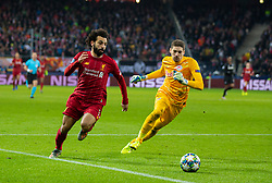 SALZBURG, AUSTRIA - Tuesday, December 10, 2019: Liverpool's Mohamed Salah rounds FC Salzburg's goalkeeper Cican Stankovic on his way to scoring the second goal during the final UEFA Champions League Group E match between FC Salzburg and Liverpool FC at the Red Bull Arena. (Pic by David Rawcliffe/Propaganda)