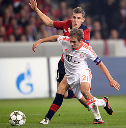 23.10.2012, Grand Stade Lille Metropole, Lille, OSC Lille vs FC Bayern Muenchen, im Bild Lucas DIGNE (OSC Lille - 03) bringt Philipp LAHM (FC Bayern Muenchen - 21) zu Fall - Foul - es gibt Elfmeter // during UEFA Championsleague Match between Lille OSC and FC Bayern Munich at the Grand Stade Lille Metropole, Lille, France on 2012/10/23. EXPA Pictures © 2012, PhotoCredit: EXPA/ Eibner/ Ben Majerus..***** ATTENTION - OUT OF GER *****