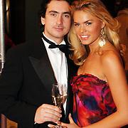 NLD/Amsterdam/20051128 - Uitreiking Beau Monde Awards 2005, Nicolette van Dam en partner Carmine d'Antuono