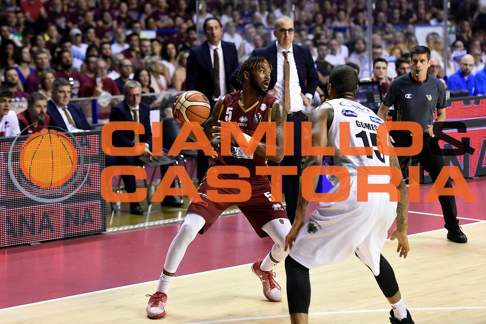 Julian Stone<br /> Umana Reyer Venezia - Dolomiti Energia Aquila Basket Trento<br /> Lega Basket Serie A 2016/2017<br /> Playoff, finale gara 5<br /> Venezia, 18/06/2017<br /> Foto M.Ceretti / Ciamillo-Castoria