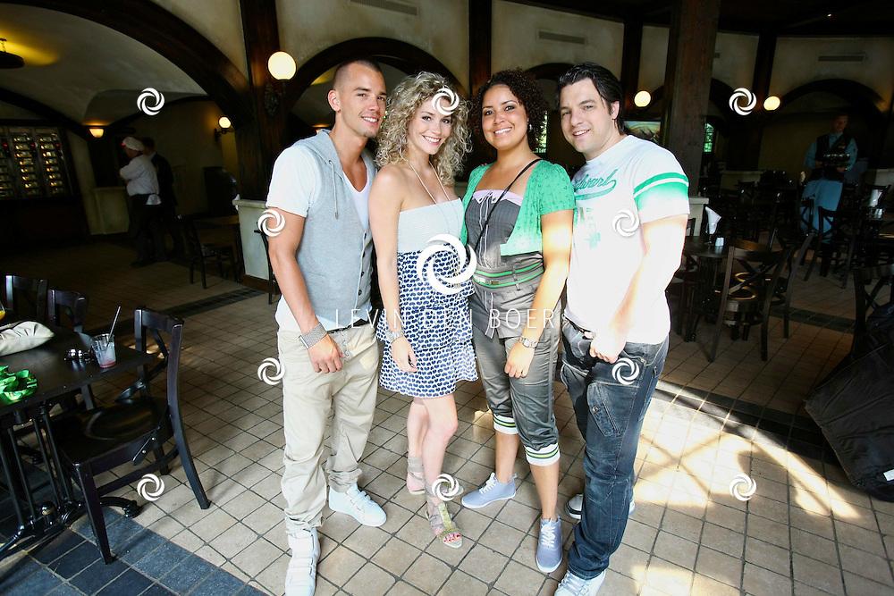 KAATSHEUVEL - In de Efteling was vandaag de officiele opening van Joris en de Draak.  De Nederlandse popgroep Chipz waren er ook met op de foto: Peter Rost, Rachel van Hoogen, Cilla Niekoop en Kevin Hellenbrand. FOTO LEVIN DEN BOER - PERSFOTO.NU