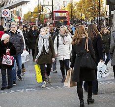 DEC 06 2014 Pre-Christmas Shopping Scenes Oxford Street London