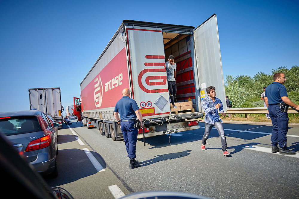 Calais 08-07-15 Vluchtelingen probleem in Calais Foto: Marco Hofsté