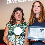 NLD/Amsterdam/20170616 - Uitreiking Nipkowschijf 2017, programma Schuldig van Ester Gould en Sarah Sylbing winnaar van de Niphowschijf 2017