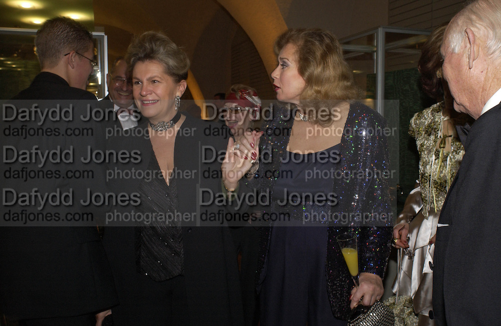 Katalin Bogyay and Valerie Leon, Opening of Hungary's Heritage-Princely Treasures from the Esterhaxy Collection. The Gilbert collection. Somerset House. 25 October 2004. ONE TIME USE ONLY - DO NOT ARCHIVE  © Copyright Photograph by Dafydd Jones 66 Stockwell Park Rd. London SW9 0DA Tel 020 7733 0108 www.dafjones.com