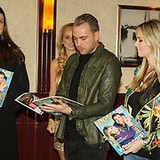 NLD/Volendam/20150305 - Winston Gerschtanowitz onthult grootste 100%NL Magazine aller tijden, Jamai Loman en Monique Smit,