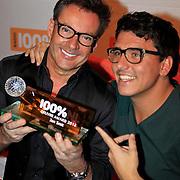 NLD/Hilversum/20130109 - Uitreiking 100% NL Awards 2012, Gerard Joling en Jan Smit met de 'ouvreaward'  van Jan