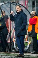 ALKMAAR - 26-11-15, Europa League, AZ  - FK Partizan, AFAS Stadion, AZ trainer John van den Brom juicht na de 1-0.