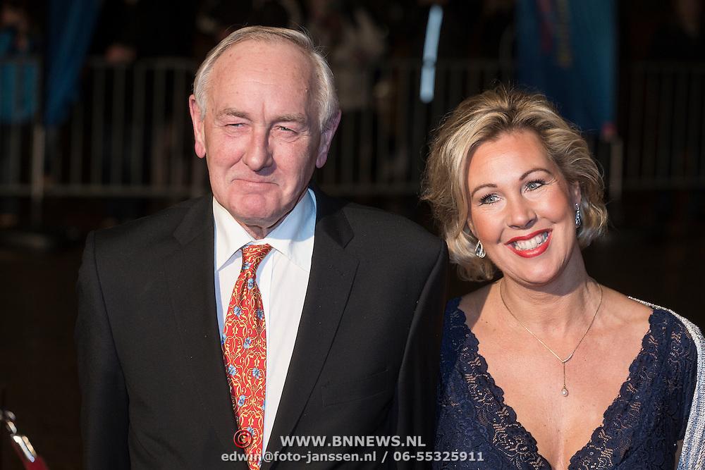 NLD/Scheveningen/20131130 - Inloop concert 200 Jaar Koningrijk der Nederlanden, Johan Remkes en partner Nicolette