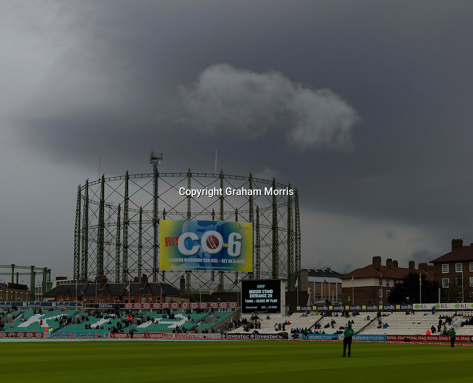 Rain stops play during the fourth and final npower Test Match between England and India at the Oval, London.  Photo: Graham Morris (Tel: +44(0)20 8969 4192 Email: sales@cricketpix.com) 18/08/11