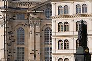 Altstadt,  Neumarkt, Standbild des Koenigs Friedrich August II. von Sachsen (reg. 1836-1854) von Ernst Julius Haehnel, Frauenkirche, Dresden, Sachsen, Deutschland.|.Dresden, Germany,  Newmarket, Friedrich August II memorial, church of our lady
