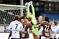 Fotball , 25. april 2015 ,   Eliteserien , Tippeligaen <br /> Odd - Mjøndalen<br /> Espen Ruud , Odd scoret  her på Ivar Andreas Forn , MIF fra corner