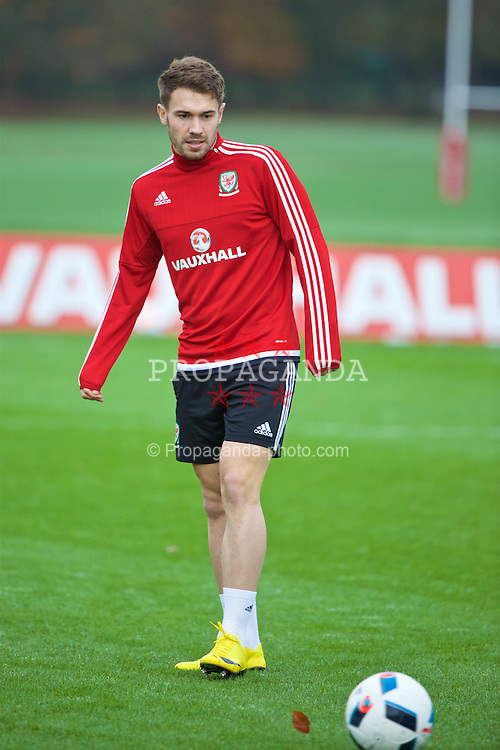 CARDIFF, WALES - Thursday, November 12, 2015: Wales' Tom Bradshaw during a training session at the Vale of Glamorgan ahead of the International Friendly against the Netherlands. (Pic by David Rawcliffe/Propaganda)