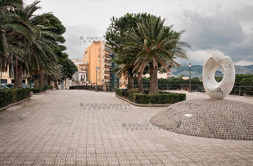 Termini Imerese, the city was living mainly around the Fiat factory which is now  closed.<br /> Termini Imerese, la citta' vive l'incertezza di un destino costruito intorno alla Fiat  il cui stabilimento &egrave; ormai chiuso.