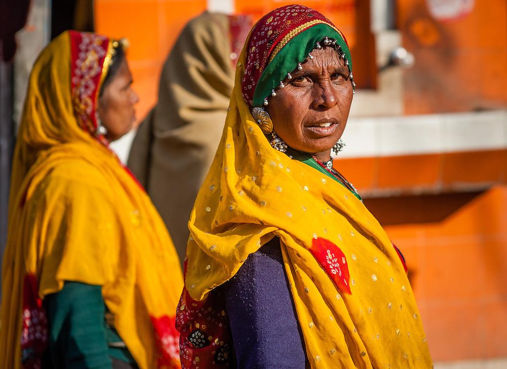 Women in colorful saris (India)