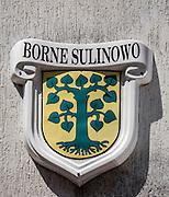 Herb miasta na budynku urzędu miejskiego. Borne Sulinowo, była baza Północnej Grupy Wojsk Radzieckich