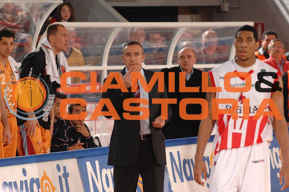 DESCRIZIONE : Teramo Lega A1 2007-08 Siviglia Wear Teramo Solsonica Rieti <br /> GIOCATORE : Lino Lardo<br /> SQUADRA : Solsonica Rieti <br /> EVENTO : Campionato Lega A1 2007-2008 <br /> GARA : Siviglia Wear Teramo Solsonica Rieti <br /> DATA : 17/02/2008<br /> CATEGORIA : Delusione<br /> SPORT : Pallacanestro <br /> AUTORE : Agenzia Ciamillo-Castoria/E. Grillotti